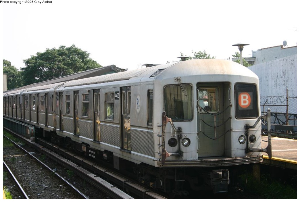 (155k, 1044x703)<br><b>Country:</b> United States<br><b>City:</b> New York<br><b>System:</b> New York City Transit<br><b>Line:</b> BMT Brighton Line<br><b>Location:</b> Sheepshead Bay <br><b>Route:</b> B<br><b>Car:</b> R-40M (St. Louis, 1969)  4475 <br><b>Photo by:</b> Clay Atcher<br><b>Date:</b> 7/28/2008<br><b>Viewed (this week/total):</b> 0 / 1315