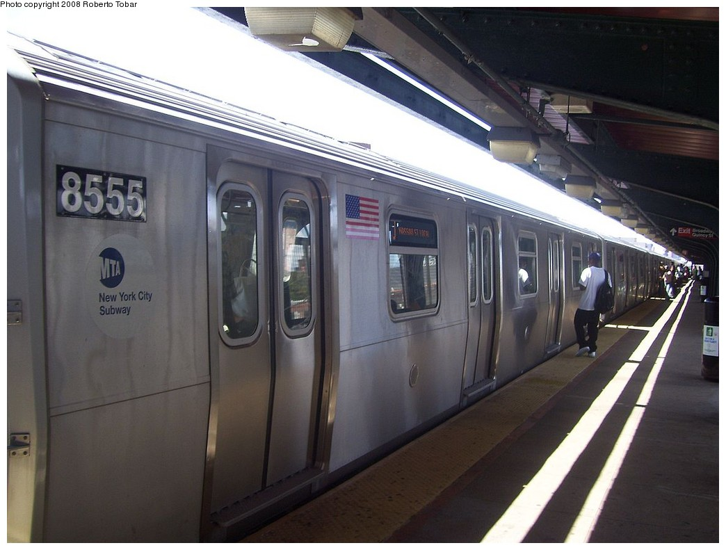 (186k, 1044x791)<br><b>Country:</b> United States<br><b>City:</b> New York<br><b>System:</b> New York City Transit<br><b>Line:</b> BMT Nassau Street/Jamaica Line<br><b>Location:</b> Gates Avenue <br><b>Route:</b> J<br><b>Car:</b> R-160A-1 (Alstom, 2005-2008, 4 car sets)  8555 <br><b>Photo by:</b> Roberto C. Tobar<br><b>Date:</b> 8/16/2008<br><b>Viewed (this week/total):</b> 1 / 1280
