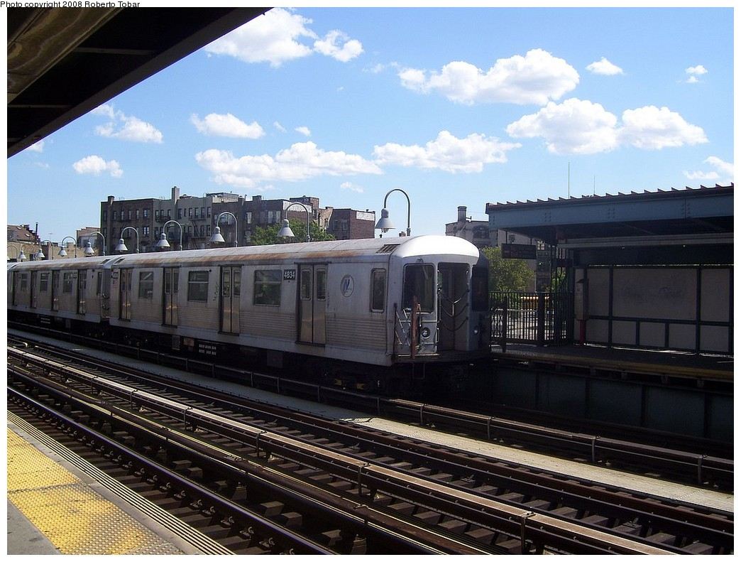 (240k, 1044x791)<br><b>Country:</b> United States<br><b>City:</b> New York<br><b>System:</b> New York City Transit<br><b>Line:</b> BMT Nassau Street/Jamaica Line<br><b>Location:</b> Marcy Avenue <br><b>Route:</b> J<br><b>Car:</b> R-42 (St. Louis, 1969-1970)  4834 <br><b>Photo by:</b> Roberto C. Tobar<br><b>Date:</b> 8/16/2008<br><b>Viewed (this week/total):</b> 3 / 690