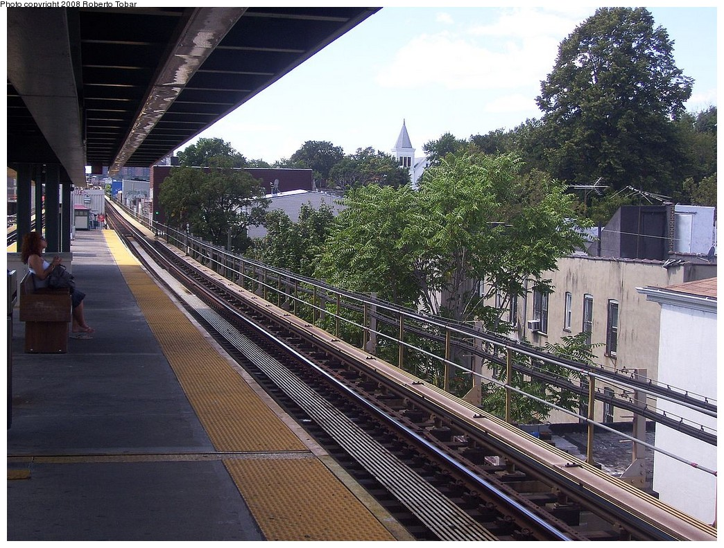 (314k, 1044x791)<br><b>Country:</b> United States<br><b>City:</b> New York<br><b>System:</b> New York City Transit<br><b>Line:</b> BMT Nassau Street/Jamaica Line<br><b>Location:</b> Van Siclen Avenue <br><b>Photo by:</b> Roberto C. Tobar<br><b>Date:</b> 8/16/2008<br><b>Notes:</b> Platform view.<br><b>Viewed (this week/total):</b> 1 / 543