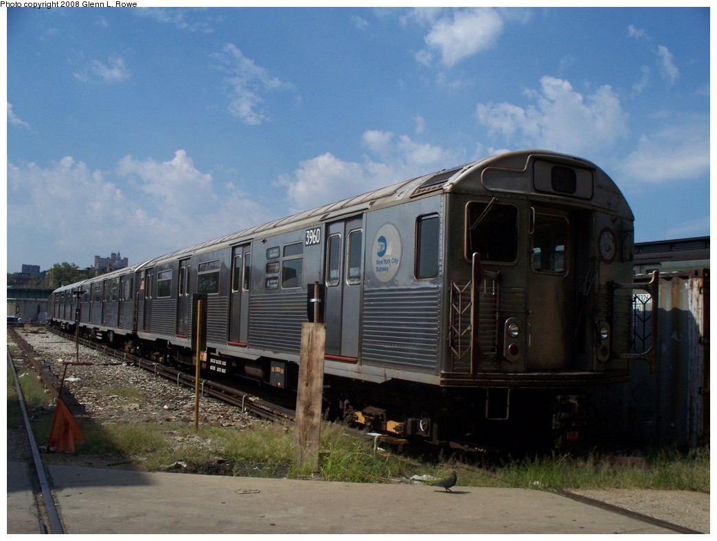 (187k, 1044x788)<br><b>Country:</b> United States<br><b>City:</b> New York<br><b>System:</b> New York City Transit<br><b>Location:</b> 207th Street Yard<br><b>Car:</b> R-38 (St. Louis, 1966-1967)  3960 <br><b>Photo by:</b> Glenn L. Rowe<br><b>Date:</b> 8/19/2008<br><b>Viewed (this week/total):</b> 0 / 865