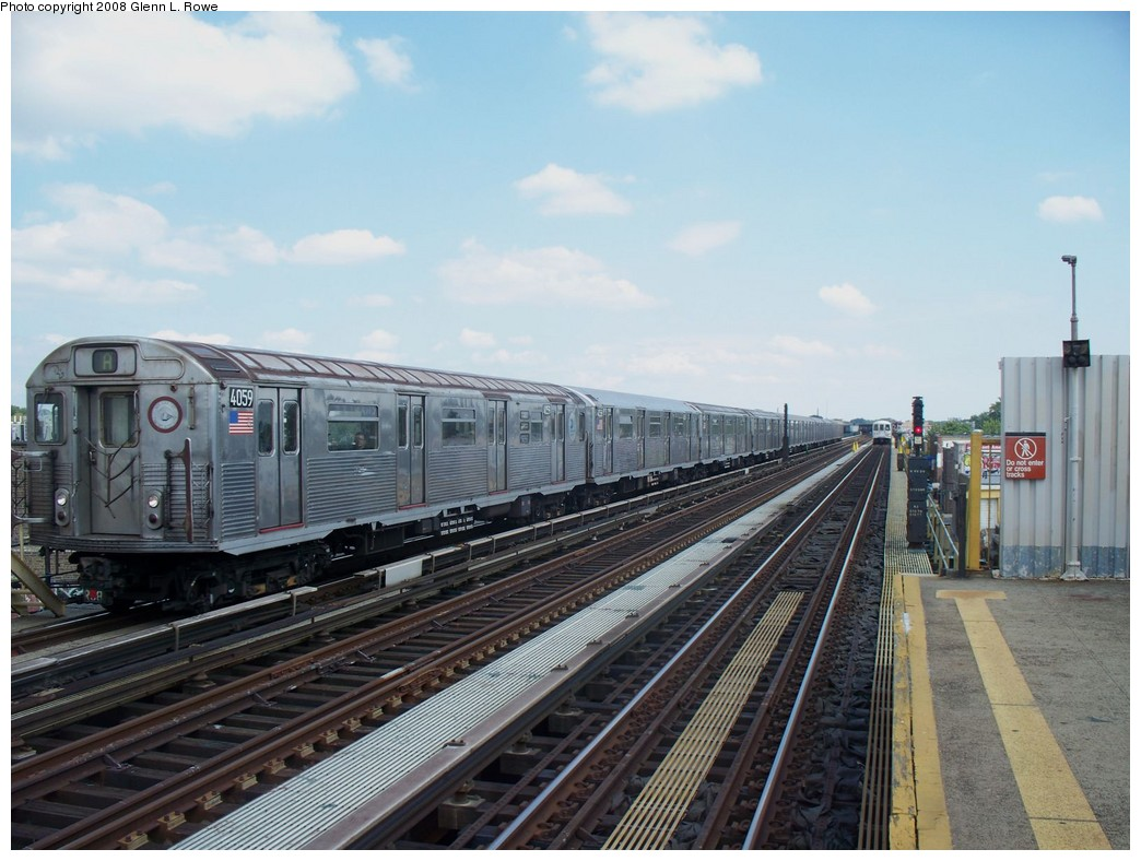 (205k, 1044x788)<br><b>Country:</b> United States<br><b>City:</b> New York<br><b>System:</b> New York City Transit<br><b>Line:</b> IND Fulton Street Line<br><b>Location:</b> 88th Street/Boyd Avenue <br><b>Route:</b> A<br><b>Car:</b> R-38 (St. Louis, 1966-1967)  4059 <br><b>Photo by:</b> Glenn L. Rowe<br><b>Date:</b> 8/19/2008<br><b>Viewed (this week/total):</b> 0 / 1353