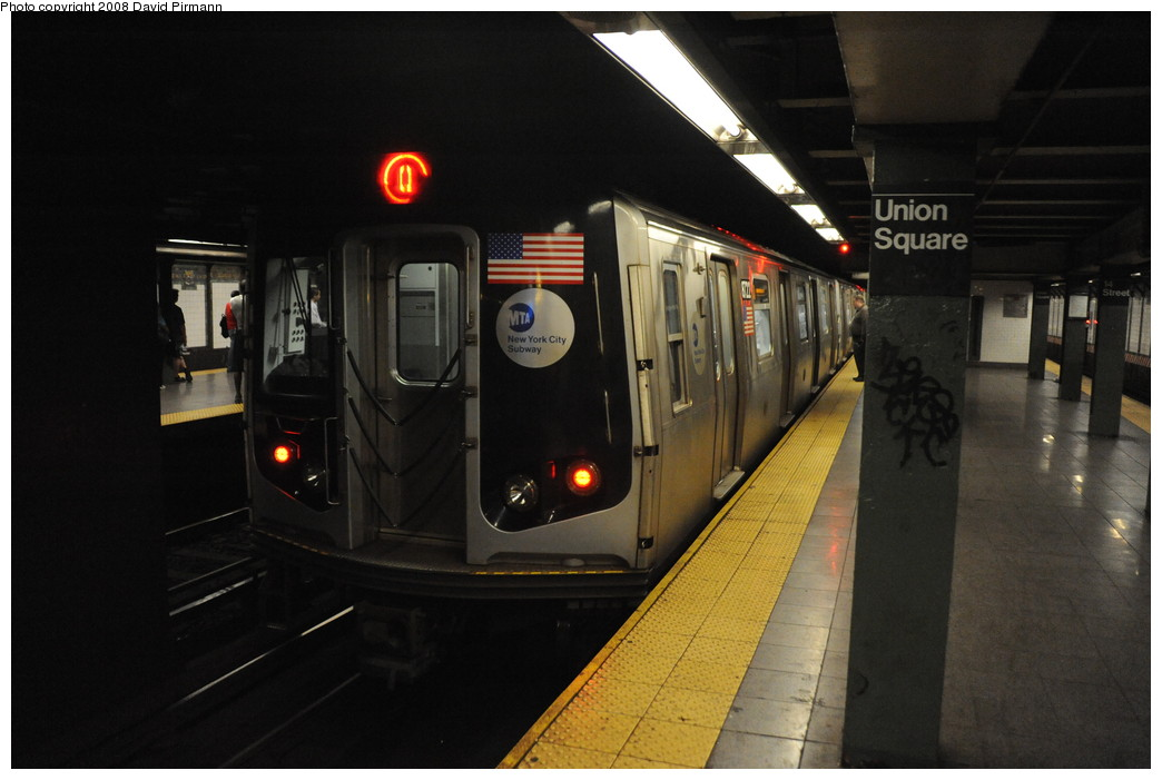 (208k, 1044x701)<br><b>Country:</b> United States<br><b>City:</b> New York<br><b>System:</b> New York City Transit<br><b>Line:</b> BMT Broadway Line<br><b>Location:</b> 14th Street/Union Square <br><b>Route:</b> Q<br><b>Car:</b> R-160B (Kawasaki, 2005-2008)  8722 <br><b>Photo by:</b> David Pirmann<br><b>Date:</b> 8/21/2008<br><b>Viewed (this week/total):</b> 3 / 2648