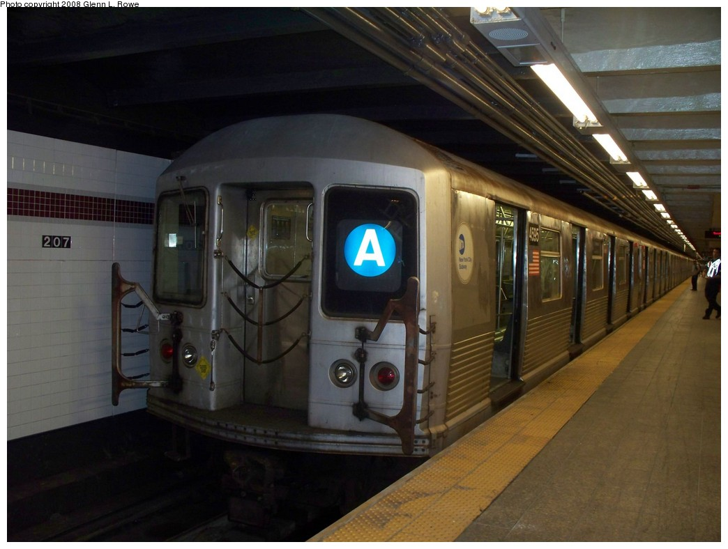 (179k, 1044x788)<br><b>Country:</b> United States<br><b>City:</b> New York<br><b>System:</b> New York City Transit<br><b>Line:</b> IND 8th Avenue Line<br><b>Location:</b> 207th Street <br><b>Route:</b> A<br><b>Car:</b> R-42 (St. Louis, 1969-1970)  4595 <br><b>Photo by:</b> Glenn L. Rowe<br><b>Date:</b> 8/21/2008<br><b>Viewed (this week/total):</b> 0 / 684