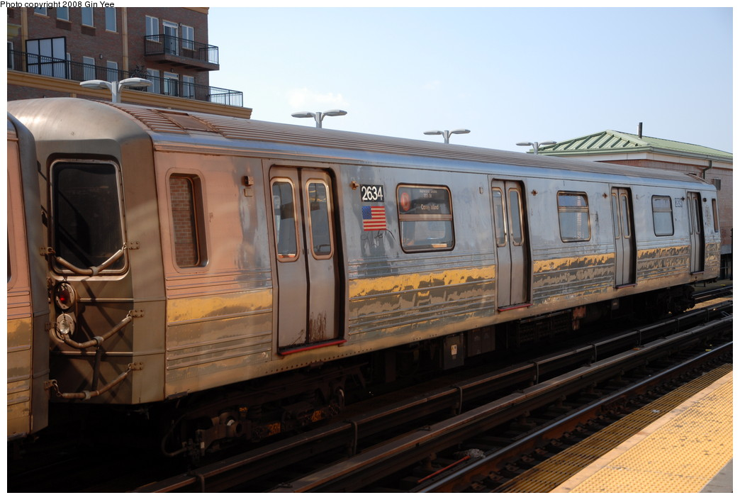 (209k, 1044x705)<br><b>Country:</b> United States<br><b>City:</b> New York<br><b>System:</b> New York City Transit<br><b>Location:</b> Coney Island/Stillwell Avenue<br><b>Route:</b> D<br><b>Car:</b> R-68 (Westinghouse-Amrail, 1986-1988)  2634 <br><b>Photo by:</b> Gin Yee<br><b>Date:</b> 8/24/2008<br><b>Viewed (this week/total):</b> 3 / 1375