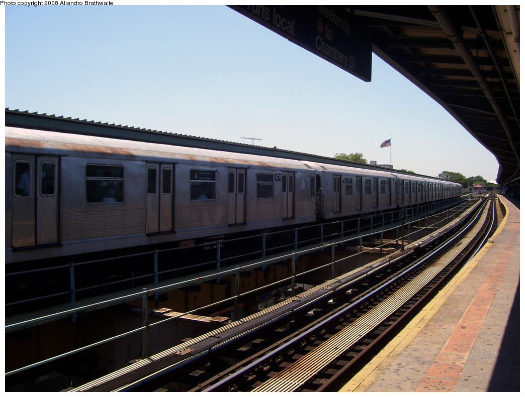 (256k, 1044x791)<br><b>Country:</b> United States<br><b>City:</b> New York<br><b>System:</b> New York City Transit<br><b>Line:</b> BMT Nassau Street/Jamaica Line<br><b>Location:</b> Woodhaven Boulevard <br><b>Route:</b> J<br><b>Car:</b> R-42 (St. Louis, 1969-1970)  4775 <br><b>Photo by:</b> Aliandro Brathwaite<br><b>Date:</b> 8/20/2008<br><b>Viewed (this week/total):</b> 3 / 1190