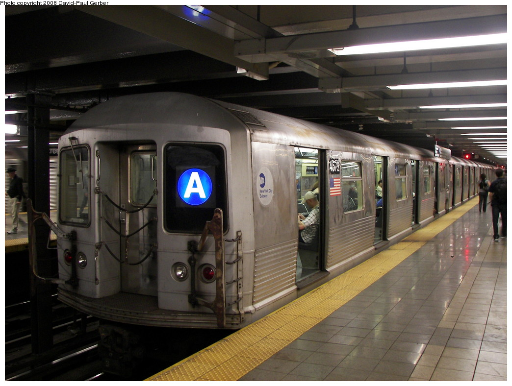 (257k, 1044x788)<br><b>Country:</b> United States<br><b>City:</b> New York<br><b>System:</b> New York City Transit<br><b>Line:</b> IND 8th Avenue Line<br><b>Location:</b> 14th Street <br><b>Route:</b> A<br><b>Car:</b> R-42 (St. Louis, 1969-1970)  4572 <br><b>Photo by:</b> David-Paul Gerber<br><b>Date:</b> 8/26/2008<br><b>Viewed (this week/total):</b> 2 / 1627