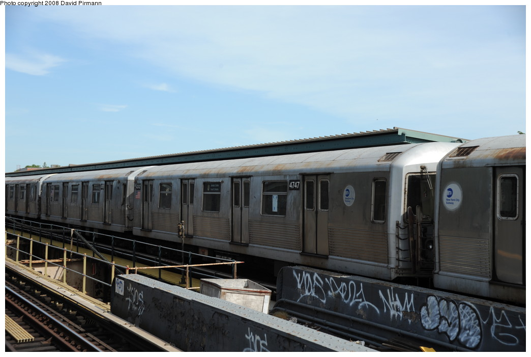 (207k, 1044x701)<br><b>Country:</b> United States<br><b>City:</b> New York<br><b>System:</b> New York City Transit<br><b>Line:</b> BMT Nassau Street/Jamaica Line<br><b>Location:</b> 75th Street/Elderts Lane <br><b>Route:</b> J<br><b>Car:</b> R-42 (St. Louis, 1969-1970)  4747 <br><b>Photo by:</b> David Pirmann<br><b>Date:</b> 8/27/2008<br><b>Viewed (this week/total):</b> 0 / 704