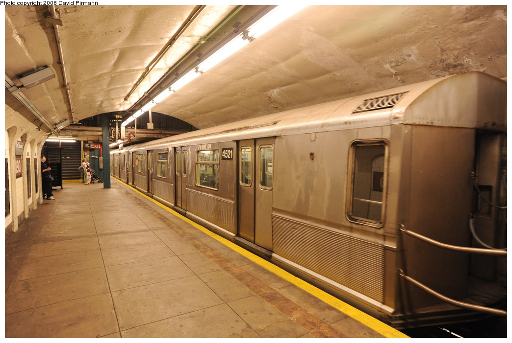 (257k, 1044x701)<br><b>Country:</b> United States<br><b>City:</b> New York<br><b>System:</b> New York City Transit<br><b>Line:</b> IND 8th Avenue Line<br><b>Location:</b> 190th Street/Overlook Terrace <br><b>Route:</b> A<br><b>Car:</b> R-40M (St. Louis, 1969)  4521 <br><b>Photo by:</b> David Pirmann<br><b>Date:</b> 8/27/2008<br><b>Viewed (this week/total):</b> 1 / 1468