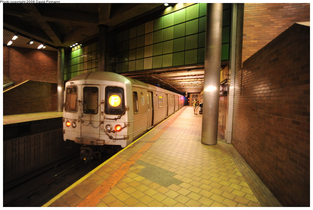 (246k, 1044x701)<br><b>Country:</b> United States<br><b>City:</b> New York<br><b>System:</b> New York City Transit<br><b>Line:</b> IND 63rd Street<br><b>Location:</b> 21st Street/Queensbridge <br><b>Route:</b> F<br><b>Car:</b> R-46 (Pullman-Standard, 1974-75) 5854 <br><b>Photo by:</b> David Pirmann<br><b>Date:</b> 8/27/2008<br><b>Viewed (this week/total):</b> 2 / 1637