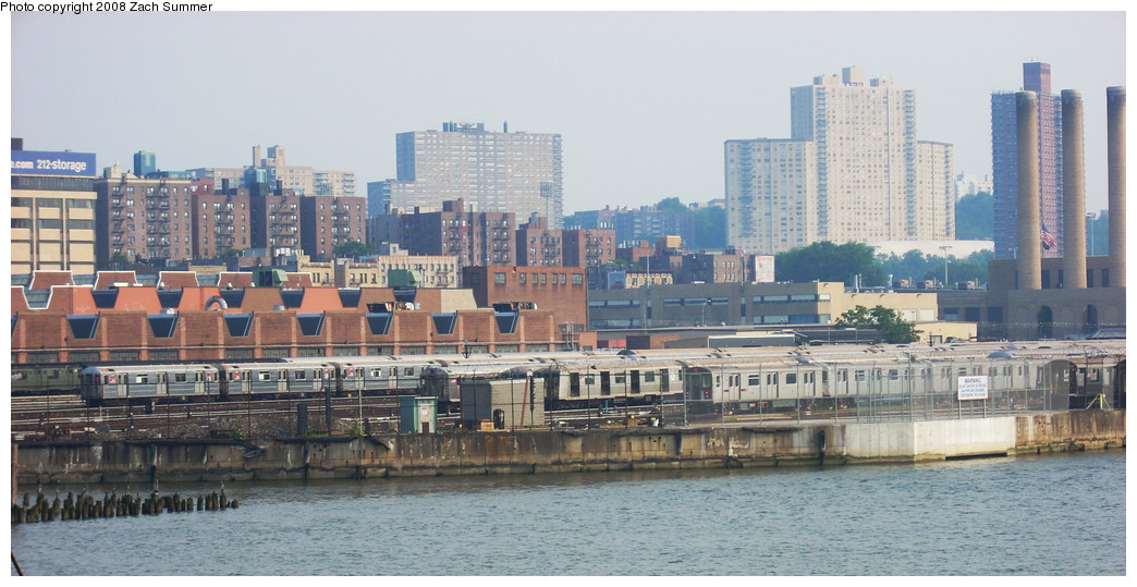 (220k, 1044x539)<br><b>Country:</b> United States<br><b>City:</b> New York<br><b>System:</b> New York City Transit<br><b>Location:</b> 207th Street Yard<br><b>Photo by:</b> Zach Summer<br><b>Date:</b> 7/19/2008<br><b>Notes:</b> Viewed from east side of University Heights Bridge<br><b>Viewed (this week/total):</b> 0 / 727