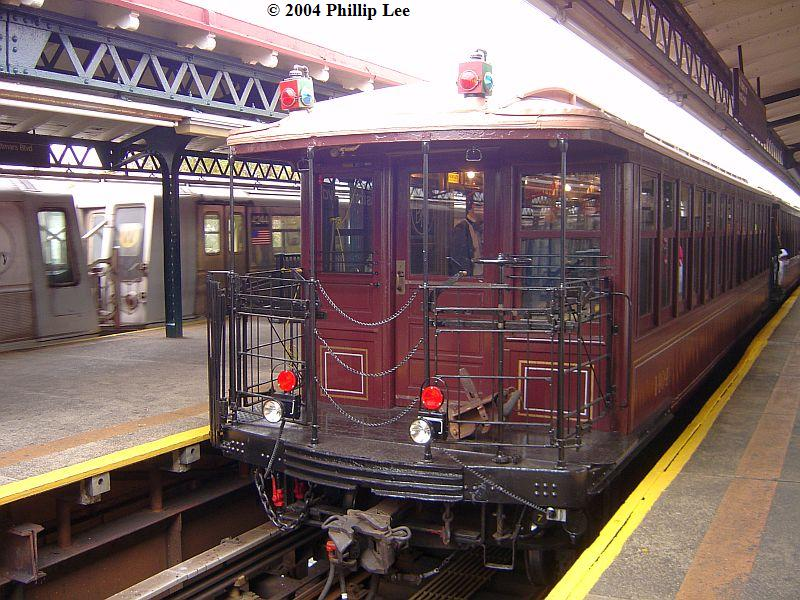 (116k, 800x600)<br><b>Country:</b> United States<br><b>City:</b> New York<br><b>System:</b> New York City Transit<br><b>Line:</b> BMT Astoria Line<br><b>Location:</b> Astoria Boulevard/Hoyt Avenue <br><b>Route:</b> Fan Trip<br><b>Car:</b> BMT Elevated Gate Car 1404-1273-1407 <br><b>Photo by:</b> Phillip Lee<br><b>Date:</b> 10/29/2004<br><b>Viewed (this week/total):</b> 1 / 1218