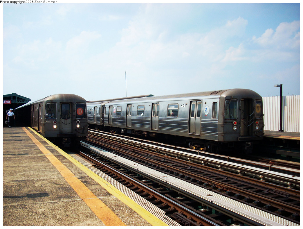 (287k, 1044x788)<br><b>Country:</b> United States<br><b>City:</b> New York<br><b>System:</b> New York City Transit<br><b>Line:</b> BMT West End Line<br><b>Location:</b> 20th Avenue <br><b>Route:</b> D/N reroute<br><b>Car:</b> R-68 (Westinghouse-Amrail, 1986-1988)  2682/2848 <br><b>Photo by:</b> Zach Summer<br><b>Date:</b> 7/20/2008<br><b>Viewed (this week/total):</b> 3 / 1522