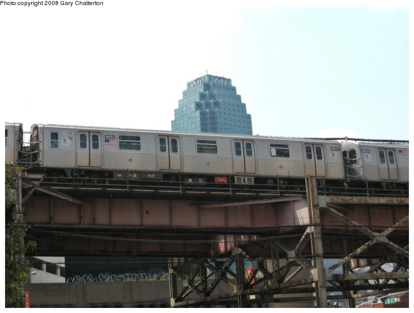 (95k, 820x620)<br><b>Country:</b> United States<br><b>City:</b> New York<br><b>System:</b> New York City Transit<br><b>Line:</b> BMT Astoria Line<br><b>Location:</b> Queensborough Plaza <br><b>Route:</b> N<br><b>Car:</b> R-160B (Kawasaki, 2005-2008)  8923 <br><b>Photo by:</b> Gary Chatterton<br><b>Date:</b> 8/14/2008<br><b>Viewed (this week/total):</b> 1 / 1978
