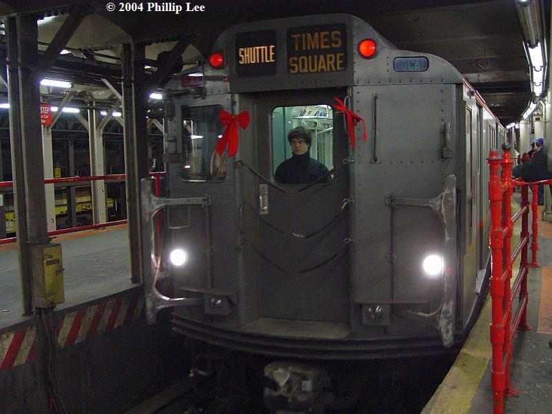 (83k, 800x600)<br><b>Country:</b> United States<br><b>City:</b> New York<br><b>System:</b> New York City Transit<br><b>Line:</b> IRT Times Square-Grand Central Shuttle<br><b>Location:</b> Times Square <br><b>Route:</b> Museum Train Service (S)<br><b>Car:</b> R-12 (American Car & Foundry, 1948) 5760 <br><b>Photo by:</b> Phillip Lee<br><b>Date:</b> 12/19/2004<br><b>Viewed (this week/total):</b> 0 / 1126