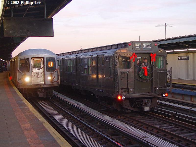 (83k, 800x600)<br><b>Country:</b> United States<br><b>City:</b> New York<br><b>System:</b> New York City Transit<br><b>Line:</b> BMT Nassau Street/Jamaica Line<br><b>Location:</b> 111th Street <br><b>Route:</b> Fan Trip<br><b>Car:</b> R-4 (American Car & Foundry, 1932-1933) 484 <br><b>Photo by:</b> Phillip Lee<br><b>Date:</b> 12/28/2003<br><b>Viewed (this week/total):</b> 5 / 1175