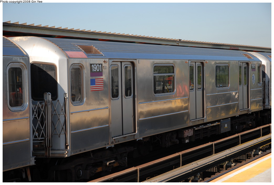 (199k, 1044x705)<br><b>Country:</b> United States<br><b>City:</b> New York<br><b>System:</b> New York City Transit<br><b>Line:</b> IRT Flushing Line<br><b>Location:</b> Willets Point/Mets (fmr. Shea Stadium) <br><b>Route:</b> 7<br><b>Car:</b> R-62A (Bombardier, 1984-1987)  1901 <br><b>Photo by:</b> Gin Yee<br><b>Date:</b> 9/8/2008<br><b>Viewed (this week/total):</b> 0 / 630