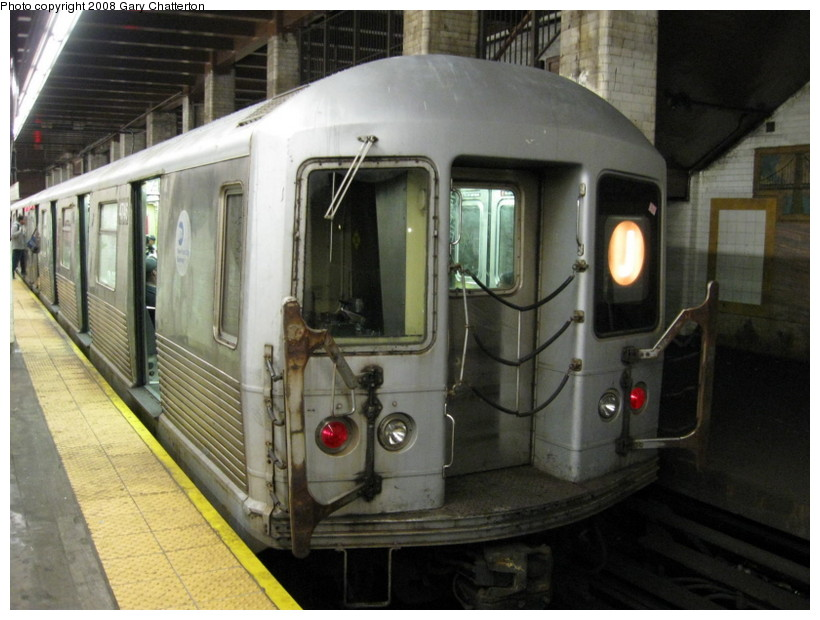 (130k, 820x620)<br><b>Country:</b> United States<br><b>City:</b> New York<br><b>System:</b> New York City Transit<br><b>Line:</b> BMT Nassau Street/Jamaica Line<br><b>Location:</b> Chambers Street <br><b>Route:</b> J<br><b>Car:</b> R-42 (St. Louis, 1969-1970)  4746 <br><b>Photo by:</b> Gary Chatterton<br><b>Date:</b> 9/10/2008<br><b>Viewed (this week/total):</b> 0 / 1413