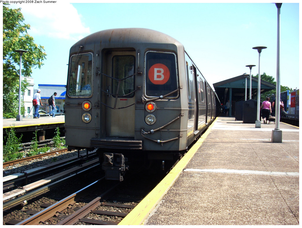 (331k, 1044x788)<br><b>Country:</b> United States<br><b>City:</b> New York<br><b>System:</b> New York City Transit<br><b>Line:</b> BMT Brighton Line<br><b>Location:</b> Kings Highway <br><b>Route:</b> B<br><b>Car:</b> R-68 (Westinghouse-Amrail, 1986-1988)  2854 <br><b>Photo by:</b> Zach Summer<br><b>Date:</b> 7/21/2008<br><b>Viewed (this week/total):</b> 0 / 974