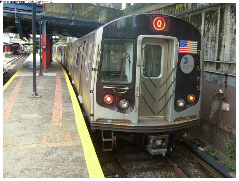 (198k, 820x620)<br><b>Country:</b> United States<br><b>City:</b> New York<br><b>System:</b> New York City Transit<br><b>Line:</b> BMT Brighton Line<br><b>Location:</b> Newkirk Plaza (fmrly Newkirk Ave.) <br><b>Route:</b> Q<br><b>Car:</b> R-160A/R-160B Series (Number Unknown)  <br><b>Photo by:</b> Oswaldo C.<br><b>Date:</b> 9/19/2008<br><b>Viewed (this week/total):</b> 3 / 2318