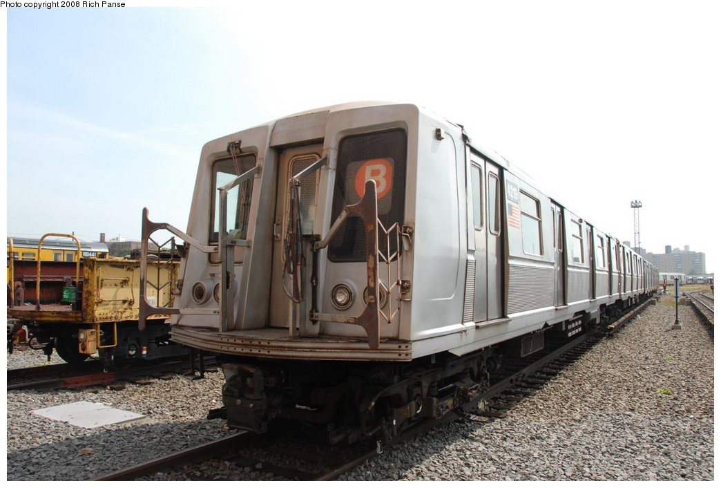 (199k, 1044x706)<br><b>Country:</b> United States<br><b>City:</b> New York<br><b>System:</b> New York City Transit<br><b>Location:</b> Coney Island Yard<br><b>Car:</b> R-40 (St. Louis, 1968)  4219 <br><b>Photo by:</b> Richard Panse<br><b>Date:</b> 9/13/2008<br><b>Viewed (this week/total):</b> 0 / 1062