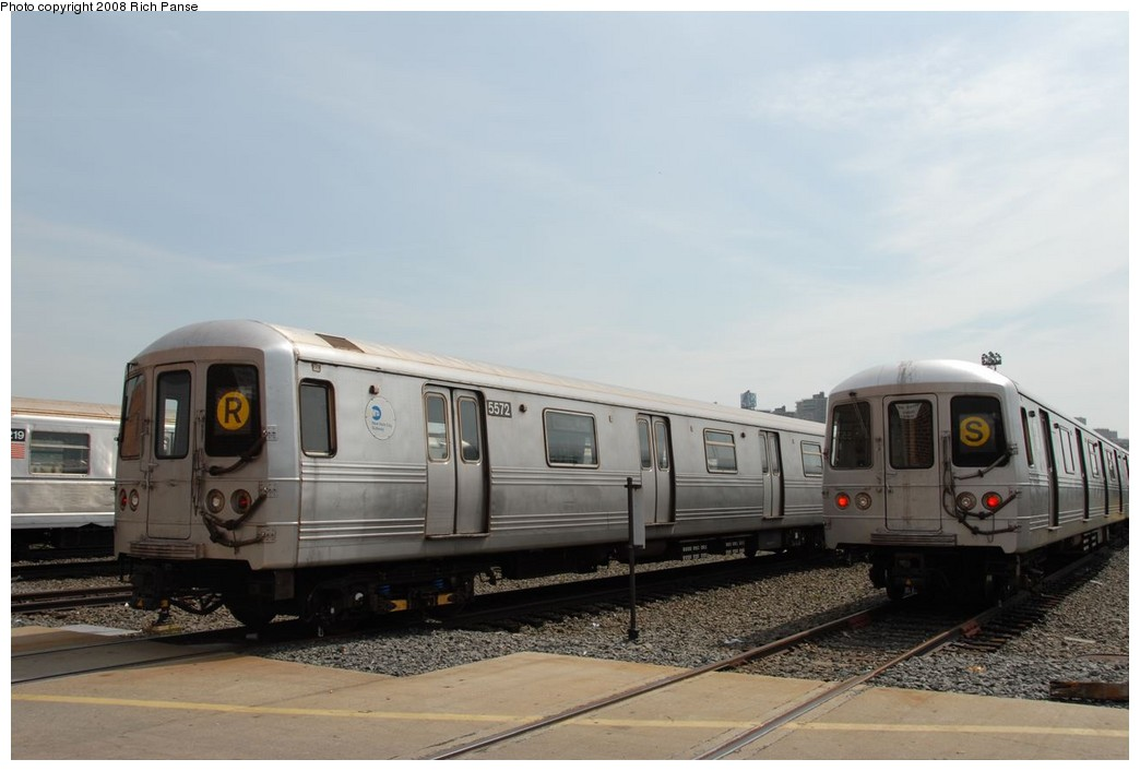 (158k, 1044x706)<br><b>Country:</b> United States<br><b>City:</b> New York<br><b>System:</b> New York City Transit<br><b>Location:</b> Coney Island Yard<br><b>Car:</b> R-46 (Pullman-Standard, 1974-75) 5572 <br><b>Photo by:</b> Richard Panse<br><b>Date:</b> 9/13/2008<br><b>Viewed (this week/total):</b> 7 / 1493