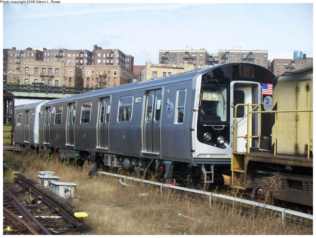 (249k, 1044x788)<br><b>Country:</b> United States<br><b>City:</b> New York<br><b>System:</b> New York City Transit<br><b>Location:</b> 207th Street Yard<br><b>Car:</b> R-160B (Option 1) (Kawasaki, 2008-2009)  9072 <br><b>Photo by:</b> Glenn L. Rowe<br><b>Date:</b> 10/1/2008<br><b>Viewed (this week/total):</b> 1 / 2562