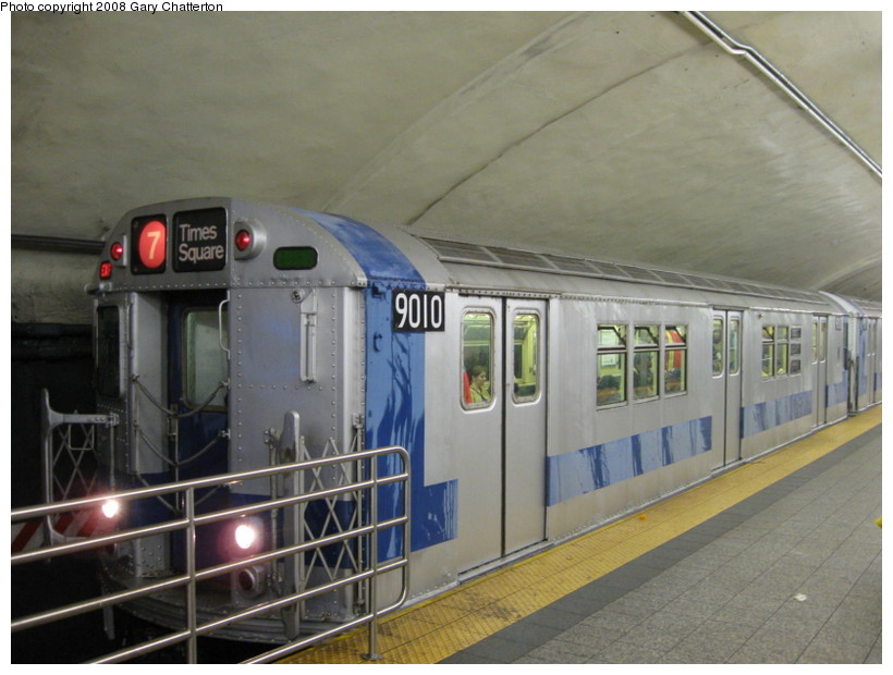 (123k, 820x620)<br><b>Country:</b> United States<br><b>City:</b> New York<br><b>System:</b> New York City Transit<br><b>Line:</b> IRT Flushing Line<br><b>Location:</b> Grand Central <br><b>Route:</b> Museum Train Service (7)<br><b>Car:</b> R-33 Main Line (St. Louis, 1962-63) 9010 <br><b>Photo by:</b> Gary Chatterton<br><b>Date:</b> 9/28/2008<br><b>Notes:</b> Shea Stadium closing day special<br><b>Viewed (this week/total):</b> 1 / 2294