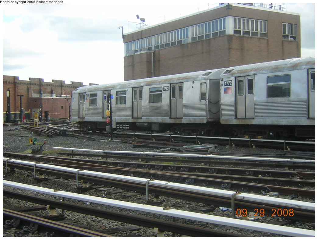 (258k, 1044x788)<br><b>Country:</b> United States<br><b>City:</b> New York<br><b>System:</b> New York City Transit<br><b>Location:</b> East New York Yard/Shops<br><b>Car:</b> R-42 (St. Louis, 1969-1970)  4773 <br><b>Photo by:</b> Robert Mencher<br><b>Date:</b> 9/29/2008<br><b>Viewed (this week/total):</b> 0 / 757