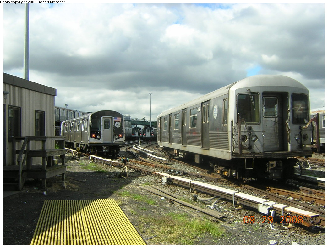 (269k, 1044x788)<br><b>Country:</b> United States<br><b>City:</b> New York<br><b>System:</b> New York City Transit<br><b>Location:</b> East New York Yard/Shops<br><b>Car:</b> R-42 (St. Louis, 1969-1970)  4785 <br><b>Photo by:</b> Robert Mencher<br><b>Date:</b> 9/29/2008<br><b>Viewed (this week/total):</b> 0 / 1104