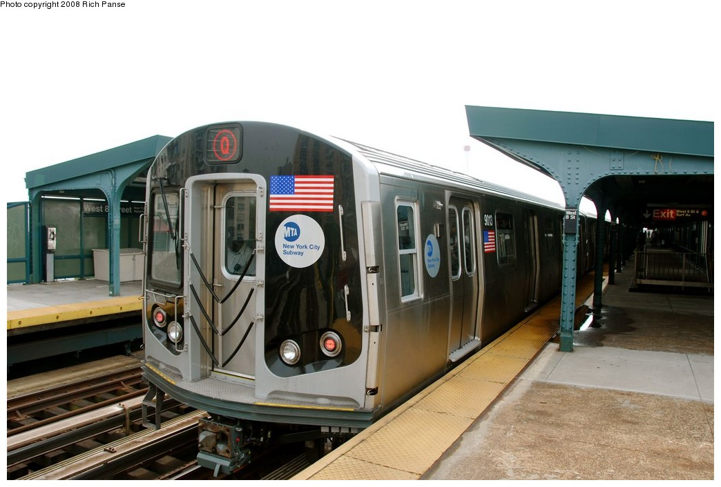 (160k, 1044x706)<br><b>Country:</b> United States<br><b>City:</b> New York<br><b>System:</b> New York City Transit<br><b>Line:</b> BMT Brighton Line<br><b>Location:</b> West 8th Street <br><b>Route:</b> Q<br><b>Car:</b> R-160B (Option 1) (Kawasaki, 2008-2009)  9013 <br><b>Photo by:</b> Richard Panse<br><b>Date:</b> 9/13/2008<br><b>Viewed (this week/total):</b> 1 / 1537