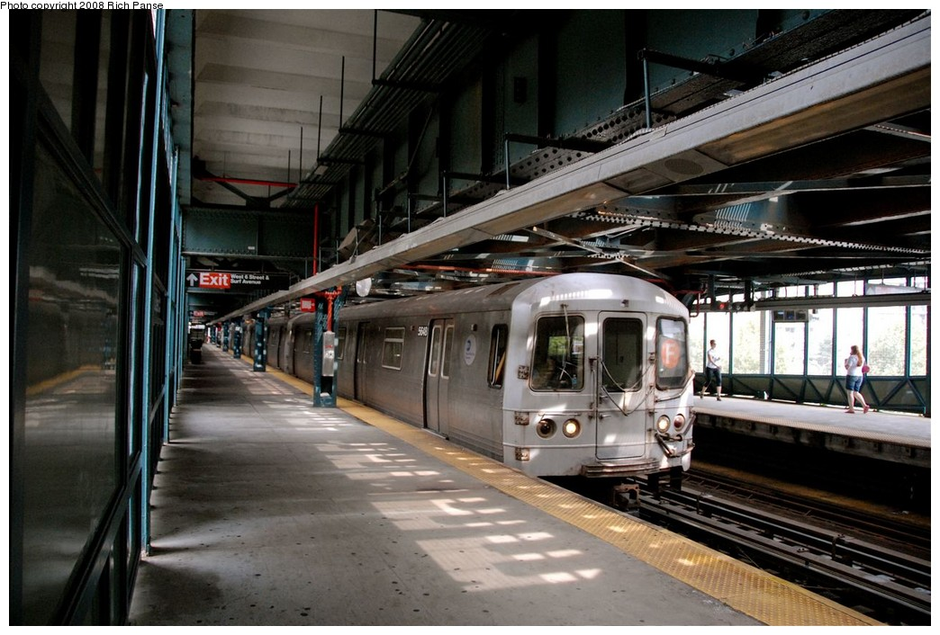 (199k, 1044x706)<br><b>Country:</b> United States<br><b>City:</b> New York<br><b>System:</b> New York City Transit<br><b>Line:</b> BMT Culver Line<br><b>Location:</b> West 8th Street <br><b>Route:</b> F<br><b>Car:</b> R-46 (Pullman-Standard, 1974-75) 5648 <br><b>Photo by:</b> Richard Panse<br><b>Date:</b> 9/13/2008<br><b>Viewed (this week/total):</b> 0 / 1438