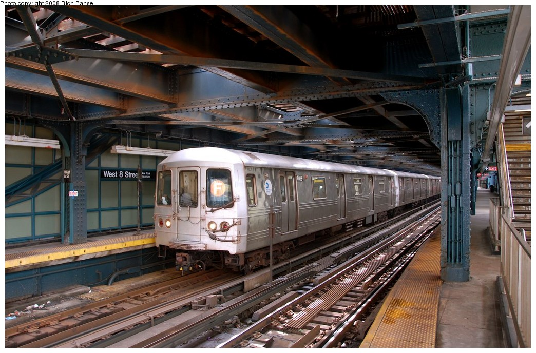 (224k, 1044x688)<br><b>Country:</b> United States<br><b>City:</b> New York<br><b>System:</b> New York City Transit<br><b>Line:</b> BMT Culver Line<br><b>Location:</b> West 8th Street <br><b>Route:</b> F<br><b>Car:</b> R-46 (Pullman-Standard, 1974-75) 6168 <br><b>Photo by:</b> Richard Panse<br><b>Date:</b> 9/13/2008<br><b>Viewed (this week/total):</b> 2 / 2041