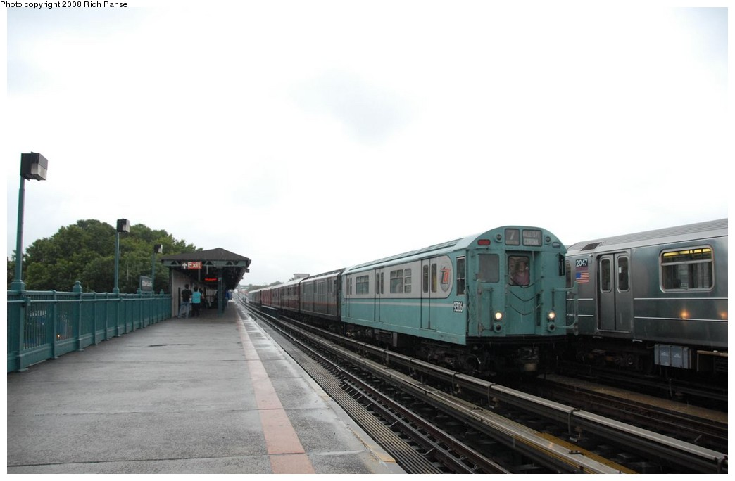 (113k, 1044x684)<br><b>Country:</b> United States<br><b>City:</b> New York<br><b>System:</b> New York City Transit<br><b>Line:</b> IRT Flushing Line<br><b>Location:</b> 103rd Street/Corona Plaza <br><b>Route:</b> Museum Train Service (7)<br><b>Car:</b> R-33 World's Fair (St. Louis, 1963-64) 9306 <br><b>Photo by:</b> Richard Panse<br><b>Date:</b> 9/28/2008<br><b>Viewed (this week/total):</b> 1 / 1275