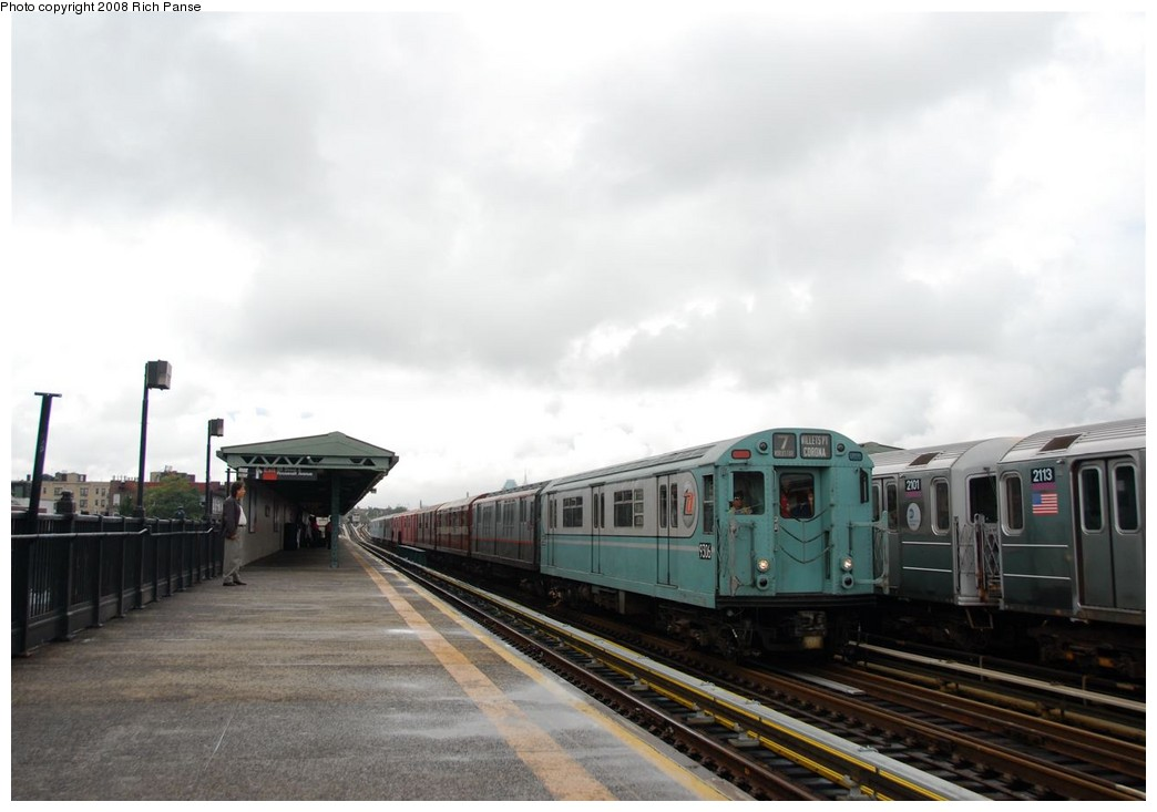 (130k, 1044x733)<br><b>Country:</b> United States<br><b>City:</b> New York<br><b>System:</b> New York City Transit<br><b>Line:</b> IRT Flushing Line<br><b>Location:</b> 69th Street/Fisk Avenue <br><b>Route:</b> Museum Train Service (7)<br><b>Car:</b> R-33 World's Fair (St. Louis, 1963-64) 9306 <br><b>Photo by:</b> Richard Panse<br><b>Date:</b> 9/28/2008<br><b>Viewed (this week/total):</b> 2 / 1052