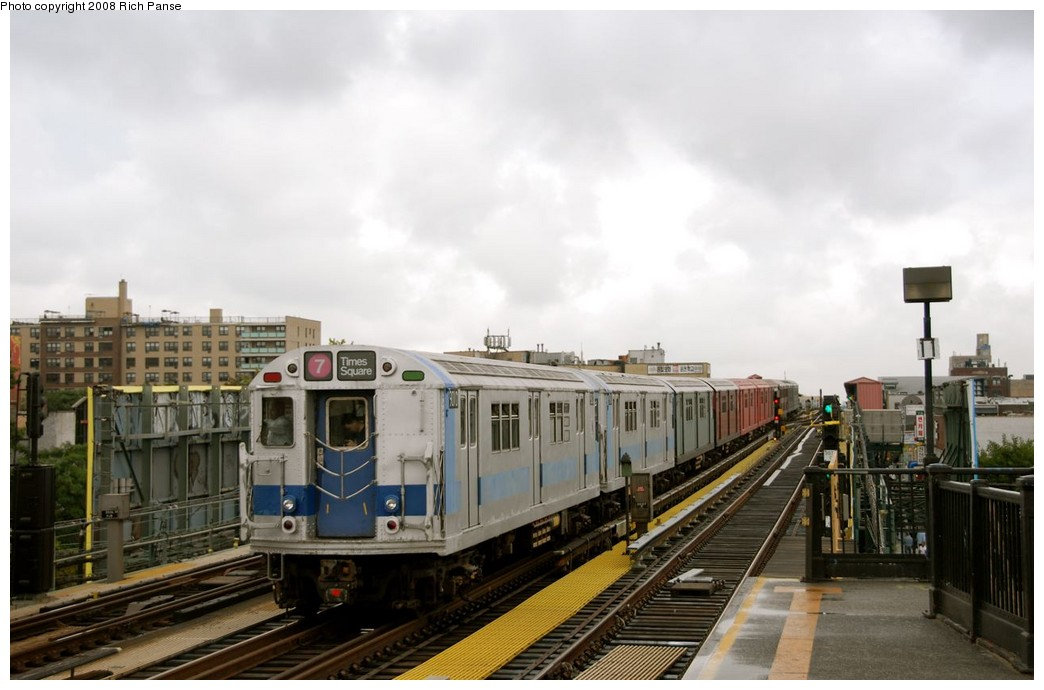 (148k, 1044x690)<br><b>Country:</b> United States<br><b>City:</b> New York<br><b>System:</b> New York City Transit<br><b>Line:</b> IRT Flushing Line<br><b>Location:</b> 69th Street/Fisk Avenue <br><b>Route:</b> Museum Train Service (7)<br><b>Car:</b> R-33 World's Fair (St. Louis, 1963-64) 9306 <br><b>Photo by:</b> Richard Panse<br><b>Date:</b> 9/28/2008<br><b>Viewed (this week/total):</b> 3 / 762