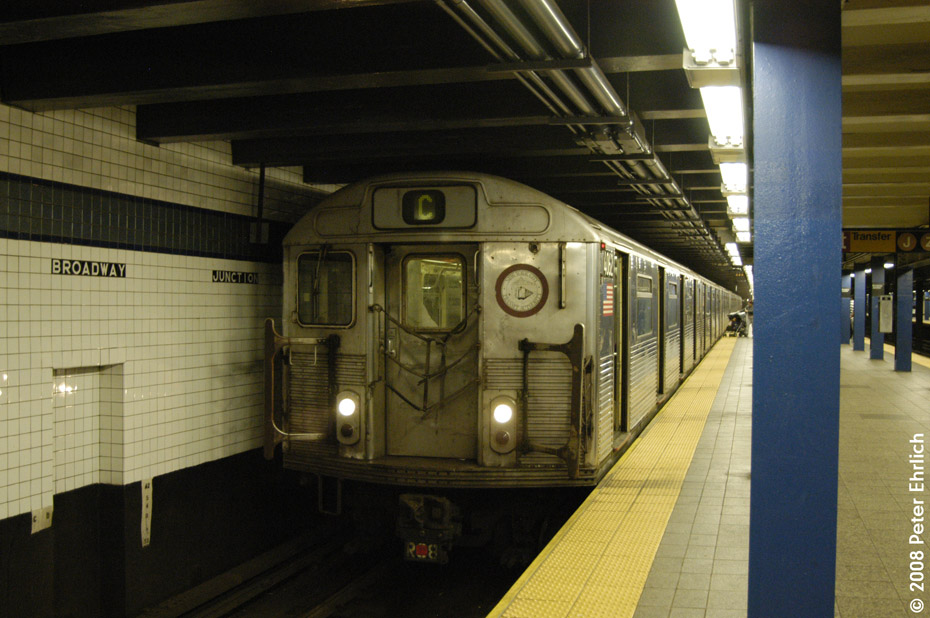 (192k, 930x618)<br><b>Country:</b> United States<br><b>City:</b> New York<br><b>System:</b> New York City Transit<br><b>Line:</b> IND Fulton Street Line<br><b>Location:</b> Broadway/East New York (Broadway Junction) <br><b>Route:</b> C<br><b>Car:</b> R-38 (St. Louis, 1966-1967)  4062 <br><b>Photo by:</b> Peter Ehrlich<br><b>Date:</b> 9/30/2008<br><b>Notes:</b> Broadway Junction inbound.<br><b>Viewed (this week/total):</b> 2 / 1286