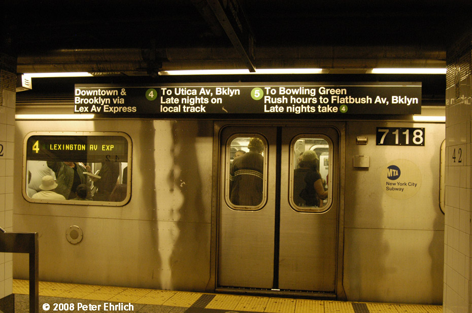(203k, 930x618)<br><b>Country:</b> United States<br><b>City:</b> New York<br><b>System:</b> New York City Transit<br><b>Line:</b> IRT East Side Line<br><b>Location:</b> Grand Central <br><b>Route:</b> 4<br><b>Car:</b> R-142 (Option Order, Bombardier, 2002-2003)  7118 <br><b>Photo by:</b> Peter Ehrlich<br><b>Date:</b> 9/28/2008<br><b>Notes:</b> Grand Central southbound.<br><b>Viewed (this week/total):</b> 4 / 2768