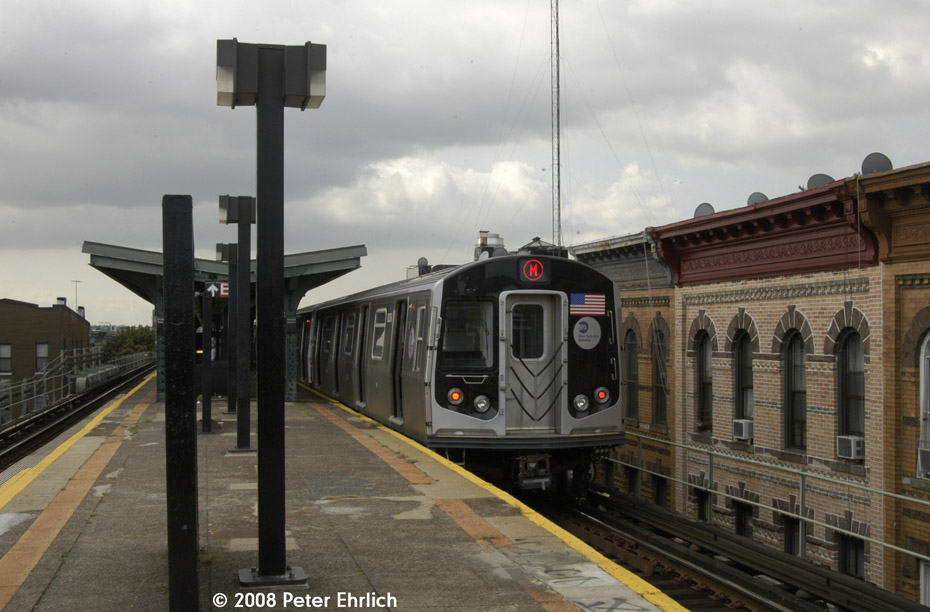 (173k, 930x612)<br><b>Country:</b> United States<br><b>City:</b> New York<br><b>System:</b> New York City Transit<br><b>Line:</b> BMT Myrtle Avenue Line<br><b>Location:</b> Seneca Avenue <br><b>Route:</b> M<br><b>Car:</b> R-160A-1 (Alstom, 2005-2008, 4 car sets)  8336 <br><b>Photo by:</b> Peter Ehrlich<br><b>Date:</b> 9/30/2008<br><b>Notes:</b> Inbound train.<br><b>Viewed (this week/total):</b> 3 / 923