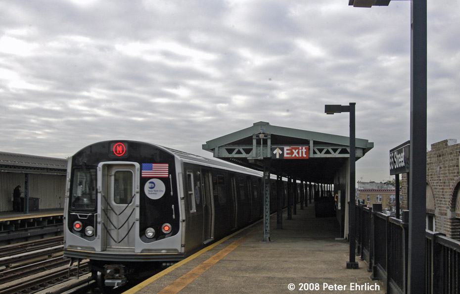 (162k, 930x594)<br><b>Country:</b> United States<br><b>City:</b> New York<br><b>System:</b> New York City Transit<br><b>Line:</b> BMT West End Line<br><b>Location:</b> 55th Street <br><b>Route:</b> M<br><b>Car:</b> R-160A-1 (Alstom, 2005-2008, 4 car sets)  8337 <br><b>Photo by:</b> Peter Ehrlich<br><b>Date:</b> 9/30/2008<br><b>Notes:</b> Outbound train.<br><b>Viewed (this week/total):</b> 1 / 1267