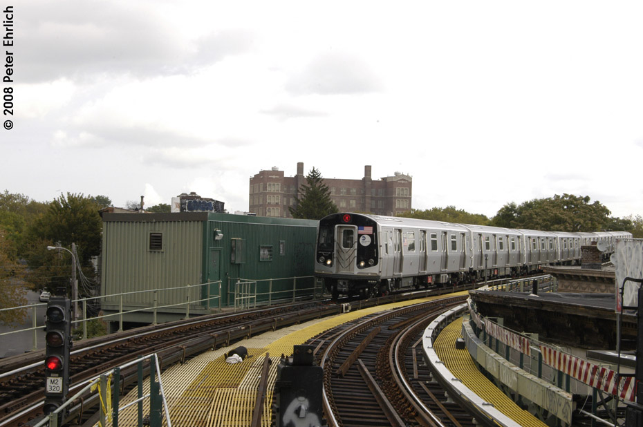 (180k, 930x618)<br><b>Country:</b> United States<br><b>City:</b> New York<br><b>System:</b> New York City Transit<br><b>Line:</b> BMT Myrtle Avenue Line<br><b>Location:</b> Seneca Avenue <br><b>Route:</b> M<br><b>Car:</b> R-160A-1 (Alstom, 2005-2008, 4 car sets)  8573 <br><b>Photo by:</b> Peter Ehrlich<br><b>Date:</b> 9/30/2008<br><b>Notes:</b> Inbound train.<br><b>Viewed (this week/total):</b> 1 / 971