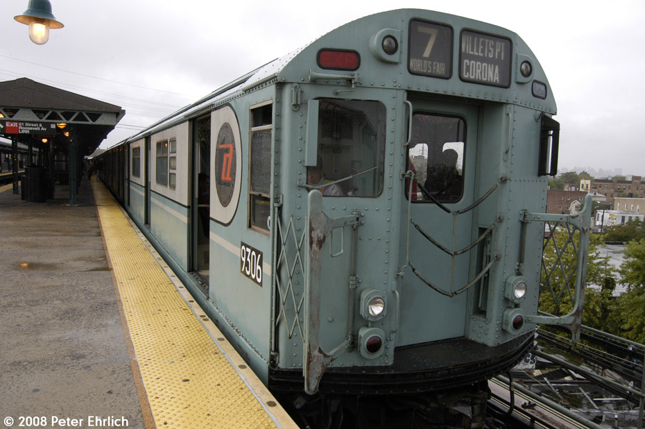 (199k, 930x618)<br><b>Country:</b> United States<br><b>City:</b> New York<br><b>System:</b> New York City Transit<br><b>Line:</b> IRT Flushing Line<br><b>Location:</b> 61st Street/Woodside <br><b>Route:</b> Museum Train Service (7)<br><b>Car:</b> R-33 World's Fair (St. Louis, 1963-64) 9306 <br><b>Photo by:</b> Peter Ehrlich<br><b>Date:</b> 9/28/2008<br><b>Notes:</b> 61 St-Woodside inbound, trailing view.<br><b>Viewed (this week/total):</b> 6 / 1231