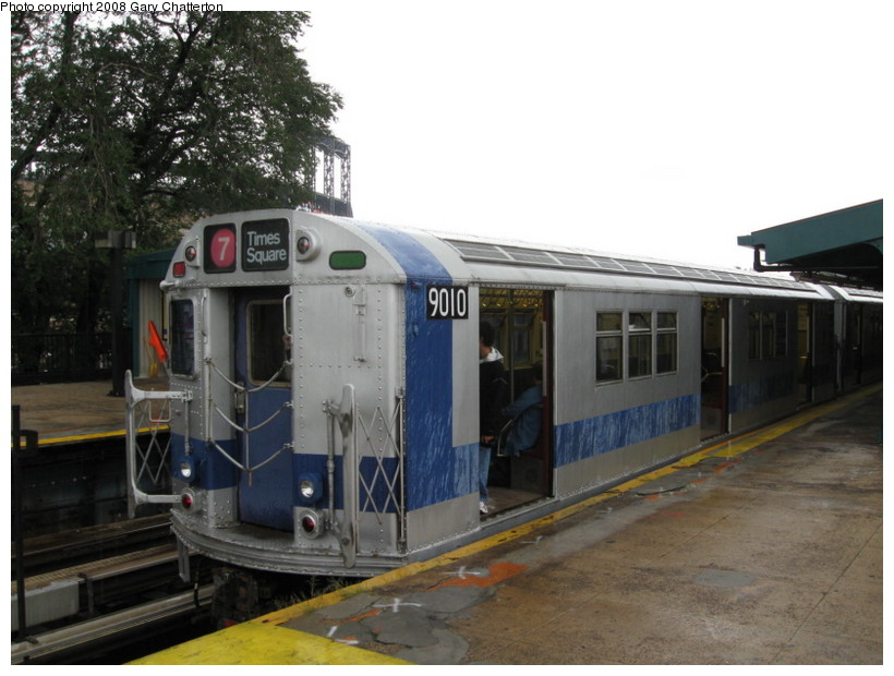 (123k, 820x620)<br><b>Country:</b> United States<br><b>City:</b> New York<br><b>System:</b> New York City Transit<br><b>Line:</b> IRT Flushing Line<br><b>Location:</b> Willets Point/Mets (fmr. Shea Stadium) <br><b>Route:</b> Museum Train Service (7)<br><b>Car:</b> R-33 Main Line (St. Louis, 1962-63) 9010 <br><b>Photo by:</b> Gary Chatterton<br><b>Date:</b> 9/28/2008<br><b>Viewed (this week/total):</b> 0 / 923