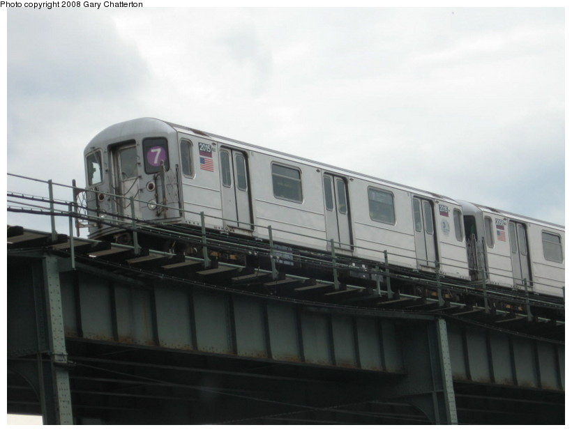 (83k, 820x620)<br><b>Country:</b> United States<br><b>City:</b> New York<br><b>System:</b> New York City Transit<br><b>Line:</b> IRT Flushing Line<br><b>Location:</b> 52nd Street/Lincoln Avenue <br><b>Route:</b> 7<br><b>Car:</b> R-62A (Bombardier, 1984-1987)  2015 <br><b>Photo by:</b> Gary Chatterton<br><b>Date:</b> 10/3/2008<br><b>Viewed (this week/total):</b> 1 / 1257