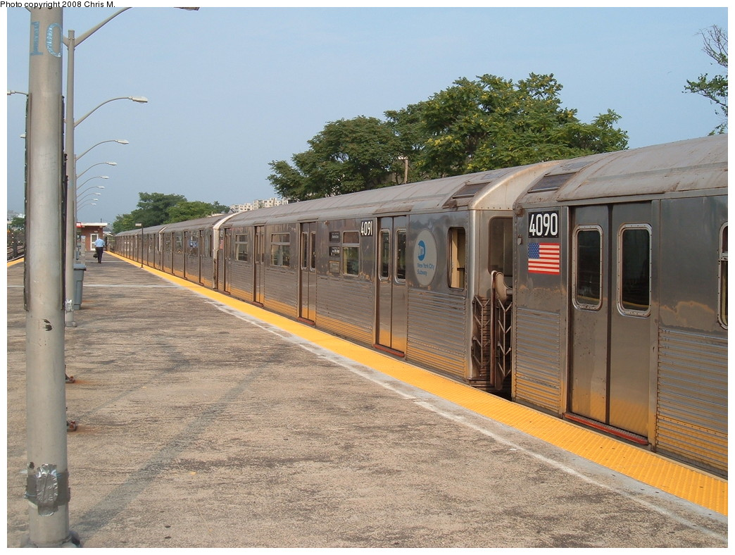 (261k, 1044x788)<br><b>Country:</b> United States<br><b>City:</b> New York<br><b>System:</b> New York City Transit<br><b>Line:</b> IND Rockaway<br><b>Location:</b> Rockaway Park/Beach 116th Street <br><b>Route:</b> A<br><b>Car:</b> R-38 (St. Louis, 1966-1967)  4091/4090 <br><b>Photo by:</b> Chris M.<br><b>Date:</b> 7/22/2008<br><b>Viewed (this week/total):</b> 0 / 991