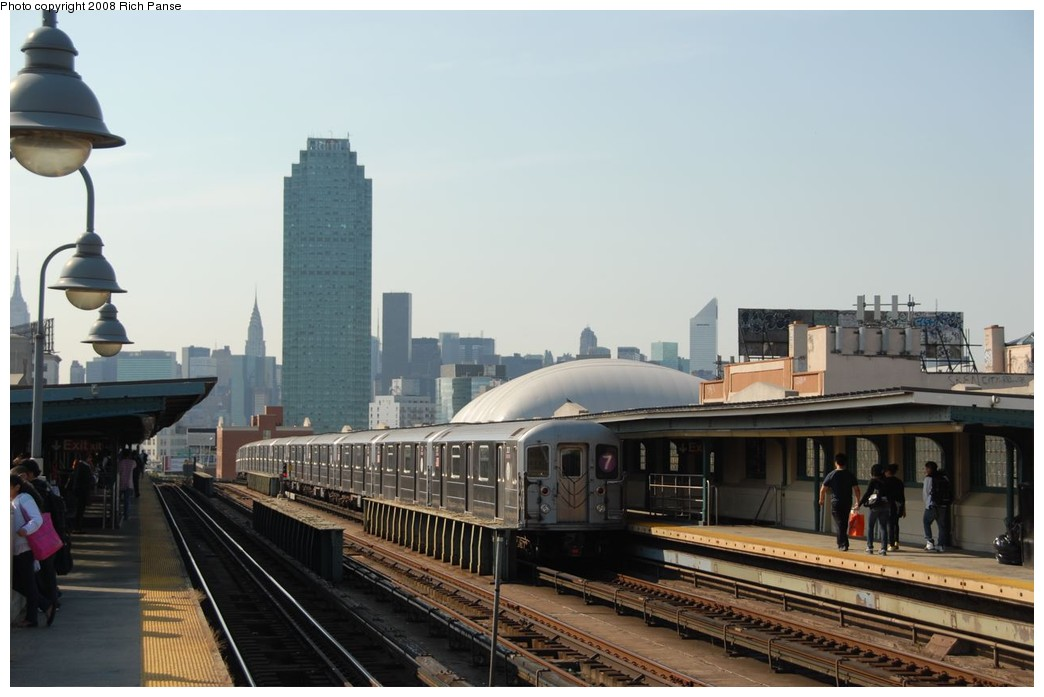 (145k, 1044x697)<br><b>Country:</b> United States<br><b>City:</b> New York<br><b>System:</b> New York City Transit<br><b>Line:</b> IRT Flushing Line<br><b>Location:</b> 33rd Street/Rawson Street <br><b>Route:</b> 7<br><b>Car:</b> R-62A (Bombardier, 1984-1987)  2021 <br><b>Photo by:</b> Richard Panse<br><b>Date:</b> 9/24/2008<br><b>Viewed (this week/total):</b> 2 / 858