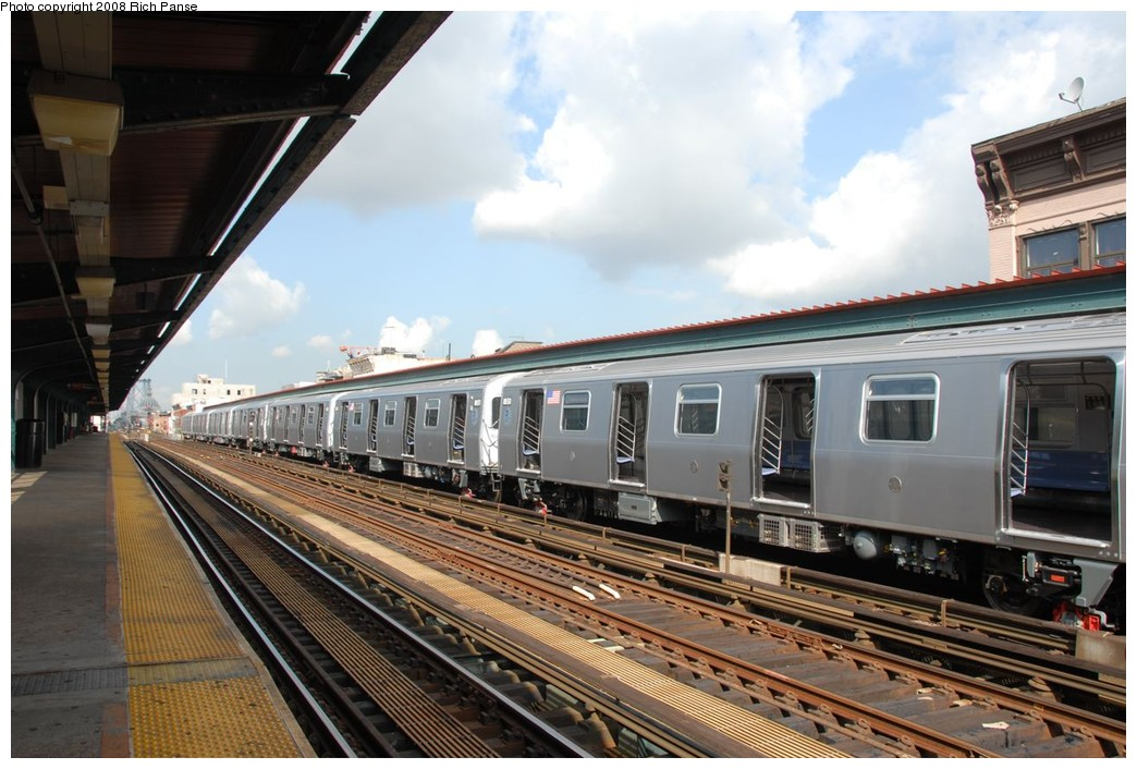 (217k, 1044x706)<br><b>Country:</b> United States<br><b>City:</b> New York<br><b>System:</b> New York City Transit<br><b>Line:</b> BMT Nassau Street/Jamaica Line<br><b>Location:</b> Hewes Street <br><b>Route:</b> Testing<br><b>Car:</b> R-160A-1 (Alstom, 2005-2008, 4 car sets)  8651/8650 <br><b>Photo by:</b> Richard Panse<br><b>Date:</b> 9/30/2008<br><b>Viewed (this week/total):</b> 4 / 1851