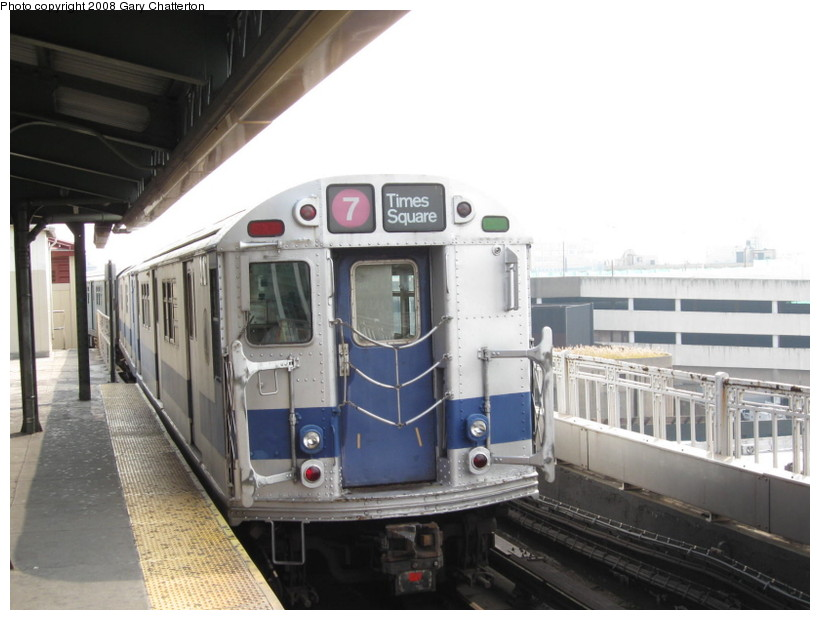 (113k, 820x620)<br><b>Country:</b> United States<br><b>City:</b> New York<br><b>System:</b> New York City Transit<br><b>Line:</b> IRT Flushing Line<br><b>Location:</b> Queensborough Plaza <br><b>Car:</b> R-33 Main Line (St. Louis, 1962-63) 9010 <br><b>Photo by:</b> Gary Chatterton<br><b>Date:</b> 10/9/2008<br><b>Notes:</b> Equipment move crossing onto Astoria line.<br><b>Viewed (this week/total):</b> 0 / 1845