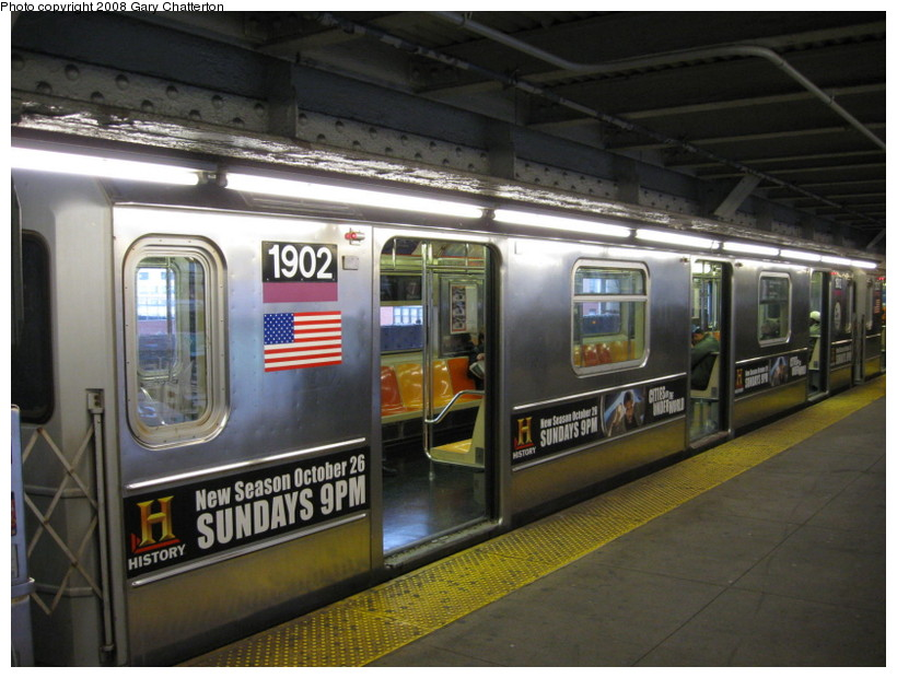 (137k, 820x620)<br><b>Country:</b> United States<br><b>City:</b> New York<br><b>System:</b> New York City Transit<br><b>Line:</b> IRT Flushing Line<br><b>Location:</b> Queensborough Plaza <br><b>Route:</b> 7<br><b>Car:</b> R-62A (Bombardier, 1984-1987)  1902 <br><b>Photo by:</b> Gary Chatterton<br><b>Date:</b> 10/24/2008<br><b>Viewed (this week/total):</b> 3 / 2024