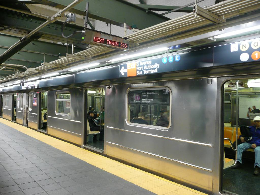 (133k, 1024x768)<br><b>Country:</b> United States<br><b>City:</b> New York<br><b>System:</b> New York City Transit<br><b>Line:</b> IRT Flushing Line<br><b>Location:</b> Times Square <br><b>Photo by:</b> Robbie Rosenfeld<br><b>Date:</b> 10/23/2008<br><b>Notes:</b> Next train indicator.<br><b>Viewed (this week/total):</b> 2 / 1233